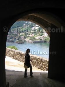 linda-fratoni-ischia-campania-italia-donna-arco-fotoartistiche-foto-artistiche